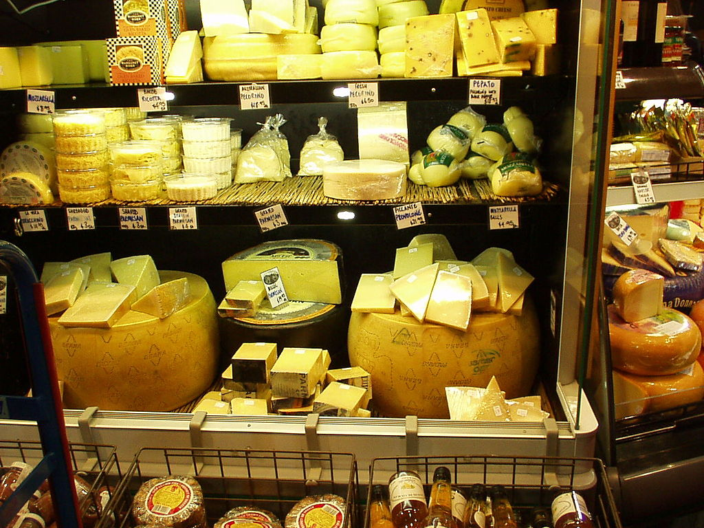 1024px-Cheese_shop_P1010071
