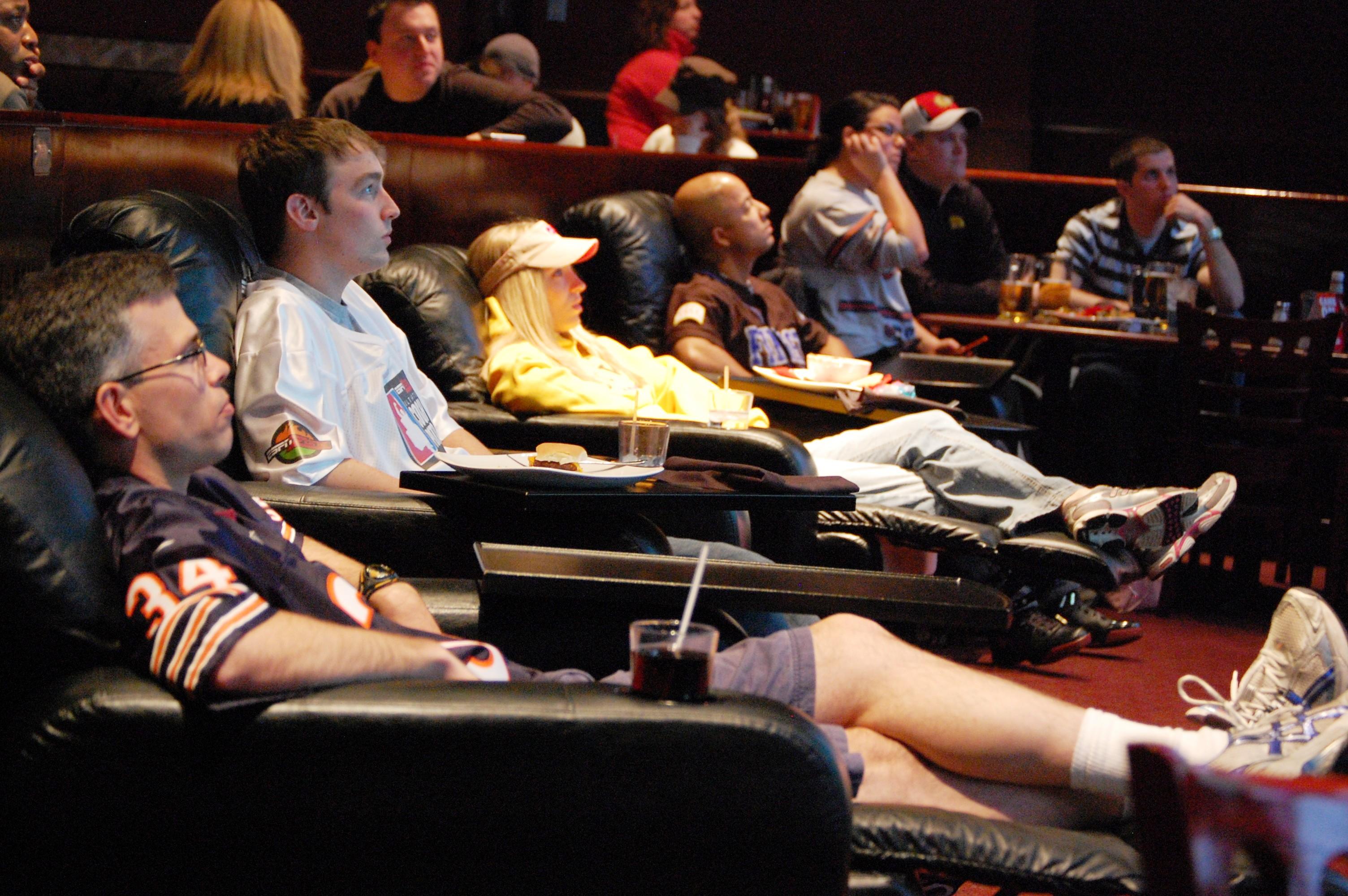 2009_ESPN_Zone_Chicago_Ultimate_Couch_Potato_Contestant_-_Steve_Janowski_03